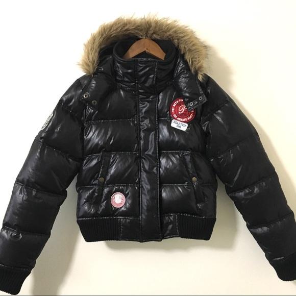 3e84daa7ba36 VS Pink University puffer jacket. Size M. M 5bdd2968aa87703742b464b4